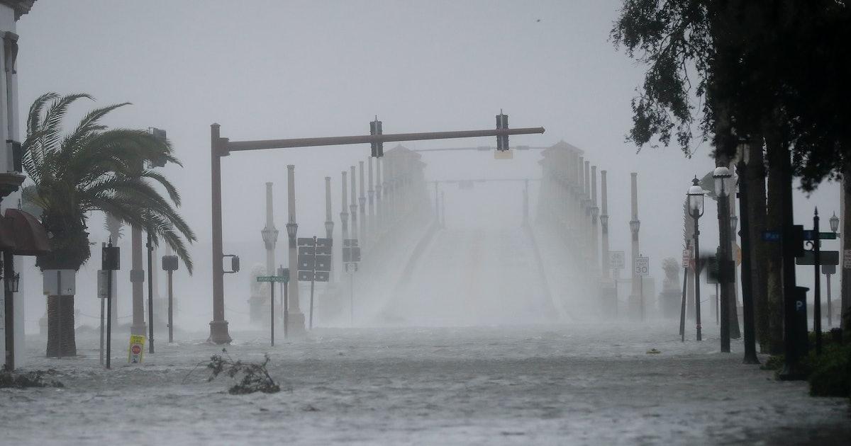 Hurricane Matthew 2016 updates: Shocking videos from Florida show extent of flooding