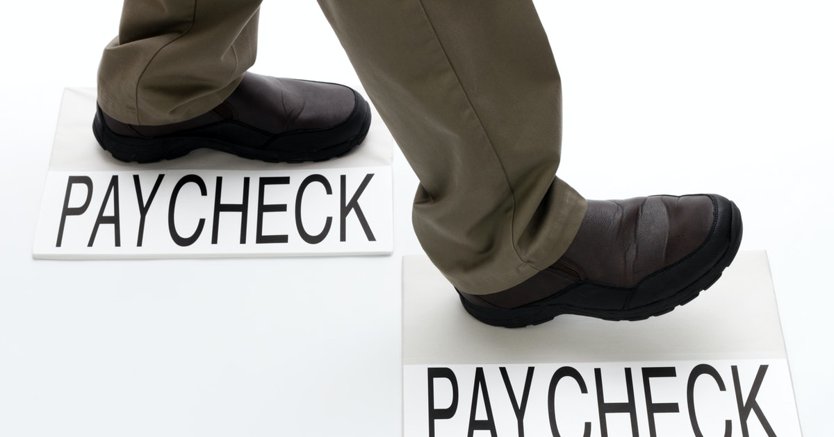 5 easy ways to save money, even if you are living paycheck to paycheck