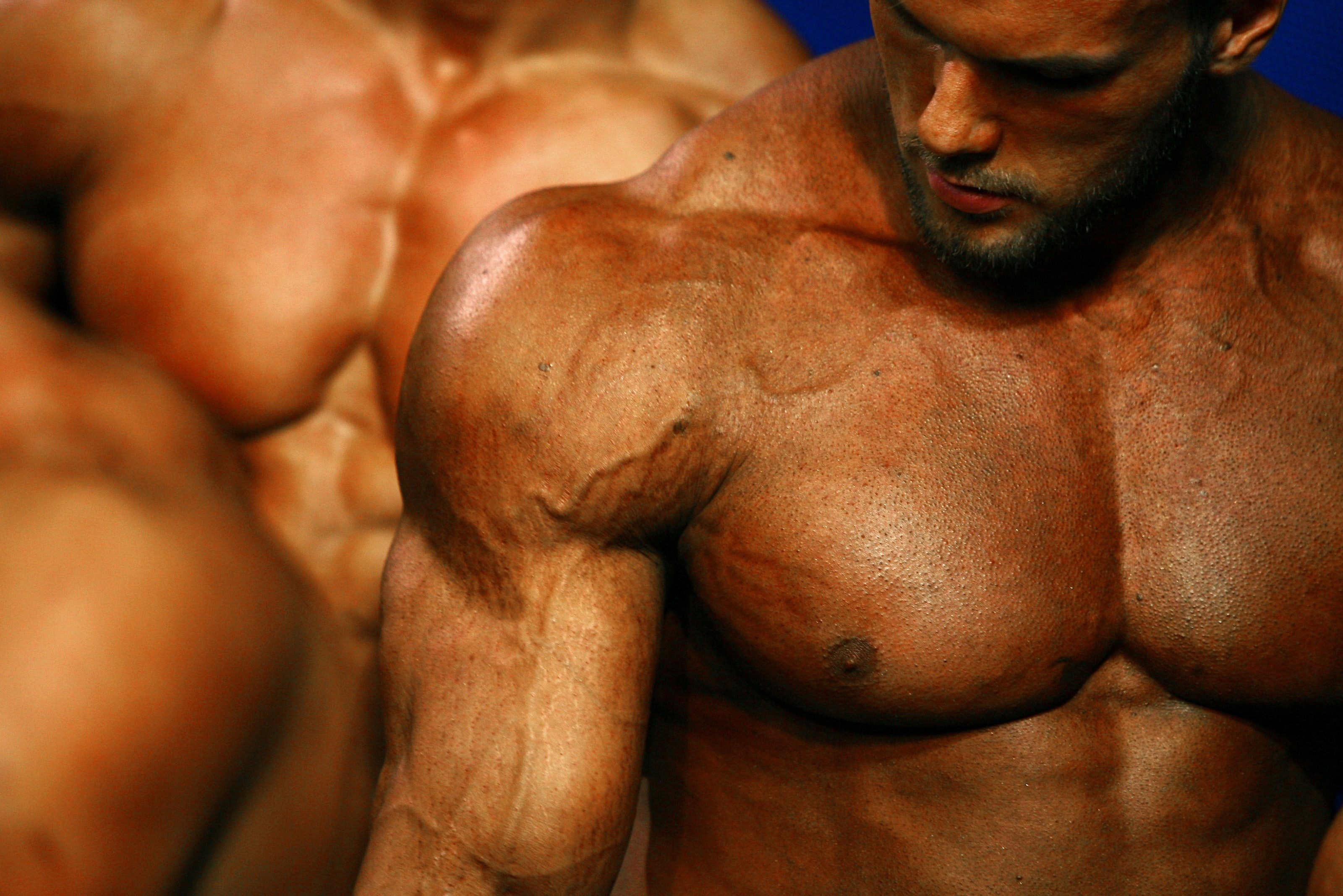 Inside the Underground Market Where Bodybuilders Find