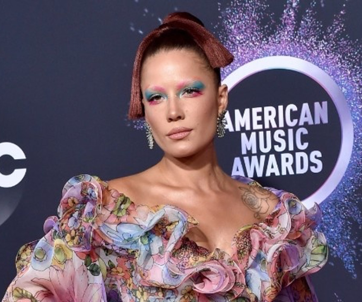 Halsey at the 2019 American Music Awards.