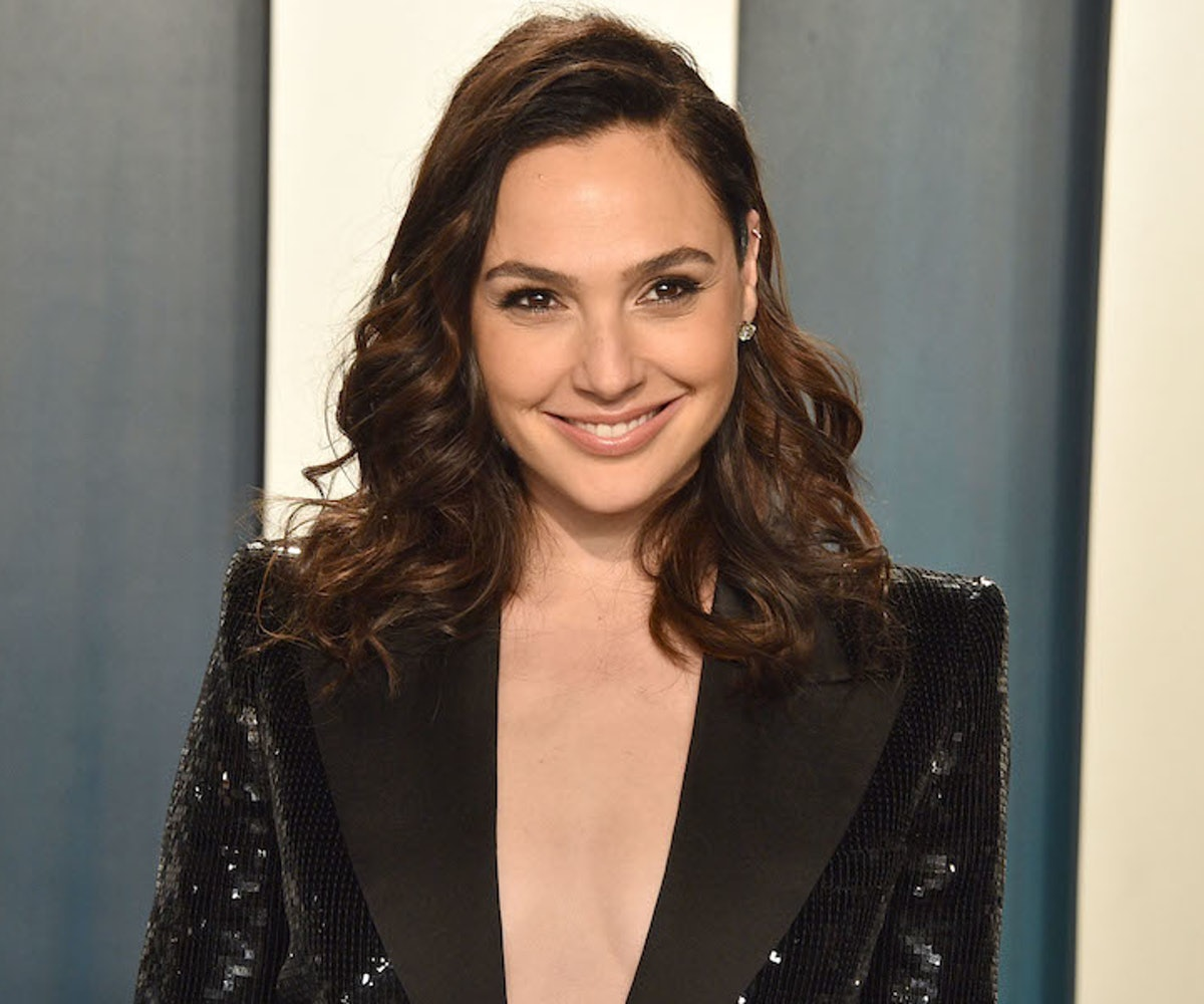 Gal Gadot attends the 2020 Vanity Fair Oscar Party at Wallis Annenberg Center for the Performing Arts on February 09, 2020 in Beverly Hills, California.