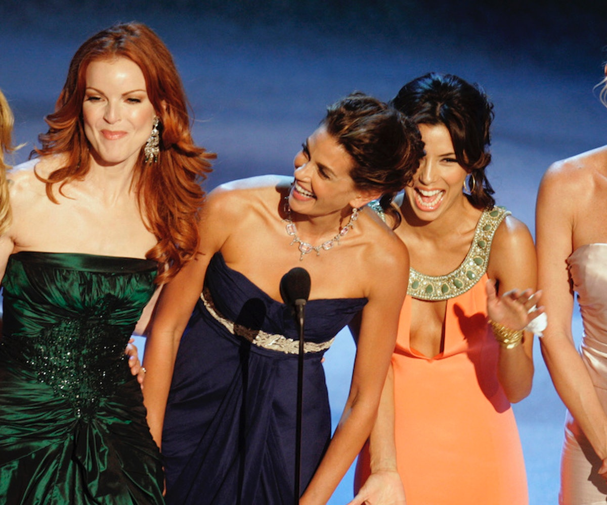"""Cast members of """"Desperate Housewives """" Felicity Huffman, Marcia Cross, Teri Hatcher, Eva Longoria and Nicollette Sheridan present 57th Annual Primetime Emmy Awards at the Shrine Auditorium in Los Angeles on Sunday, September 18, 2005."""