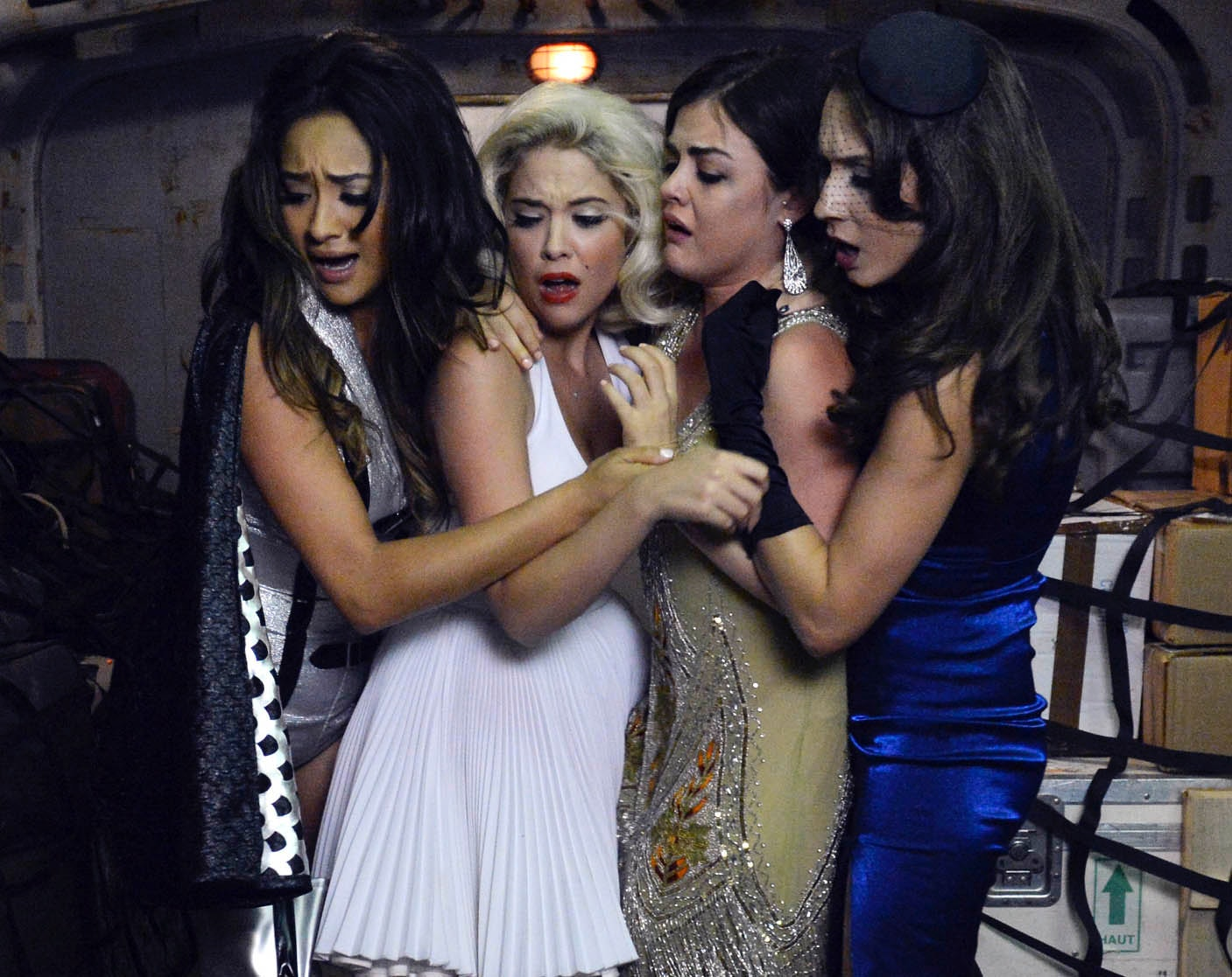 22 'pretty little liars' episodes that are perfect to watch on halloween