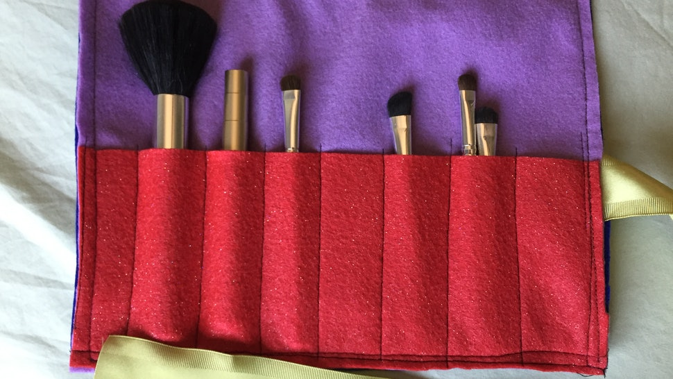 This Diy Makeup Brush Organizer Is Incredibly Affordable