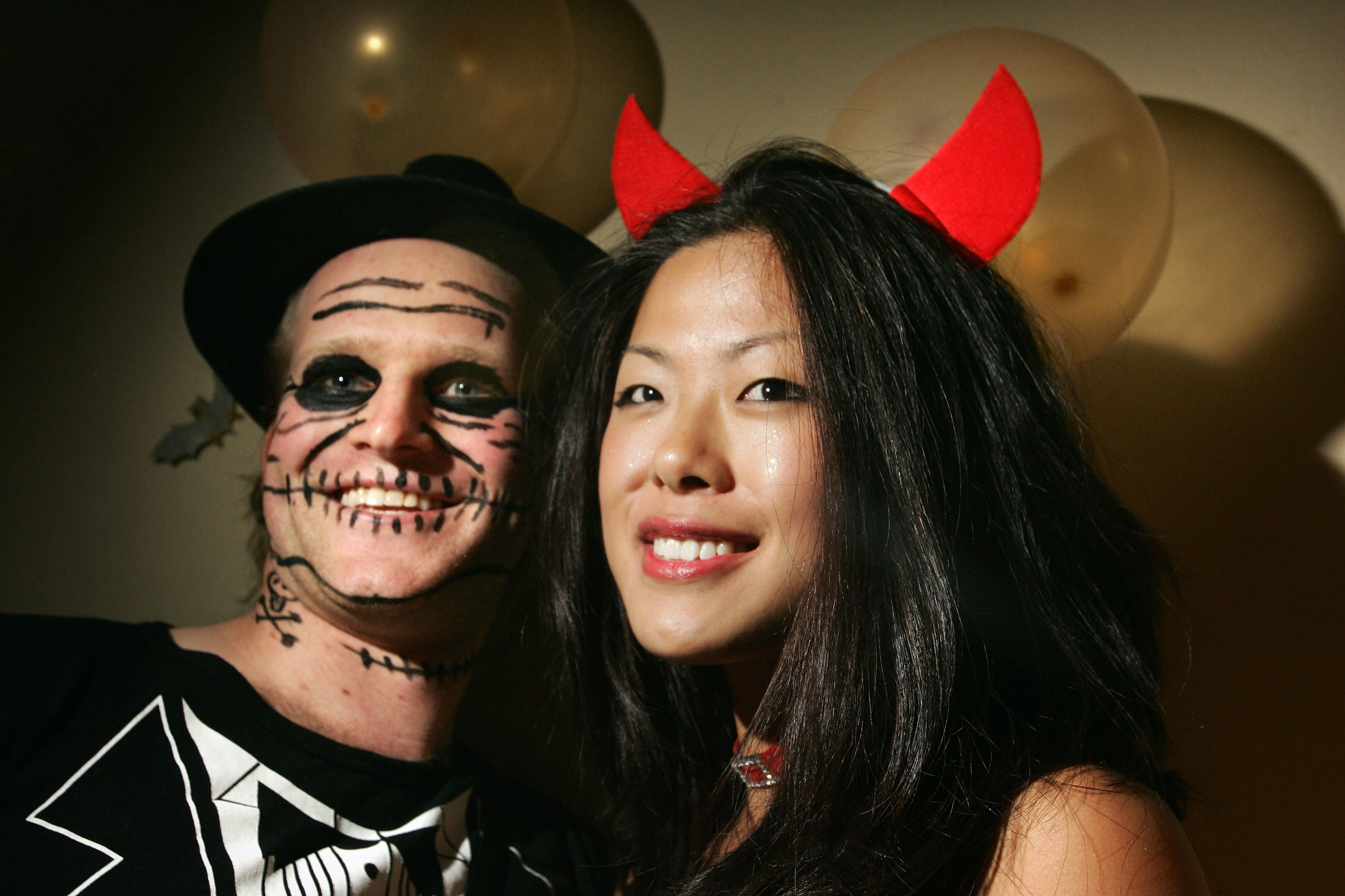 13 Easy Couples Halloween Costume Ideas For 2016 That Are Cute Without Being Complicated  sc 1 st  Bustle & 13 Easy Couples Halloween Costume Ideas For 2016 That Are Cute ...