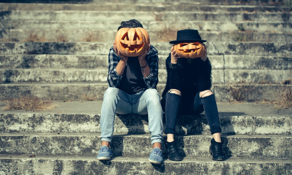 13 date ideas inspired by halloween to keep the spook alive