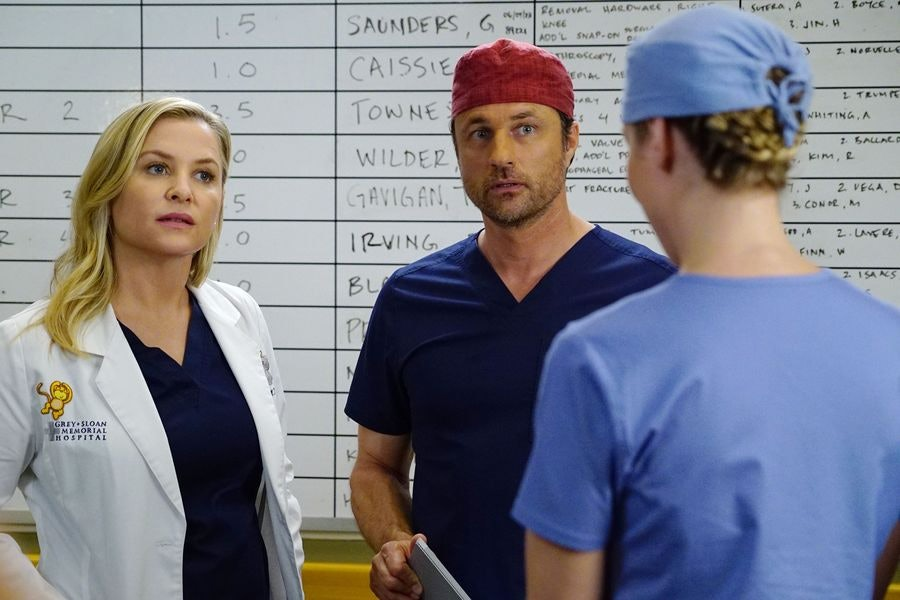 Who Will Get Fired On \'Grey\'s Anatomy\'? Everyone\'s Job Could Be In ...