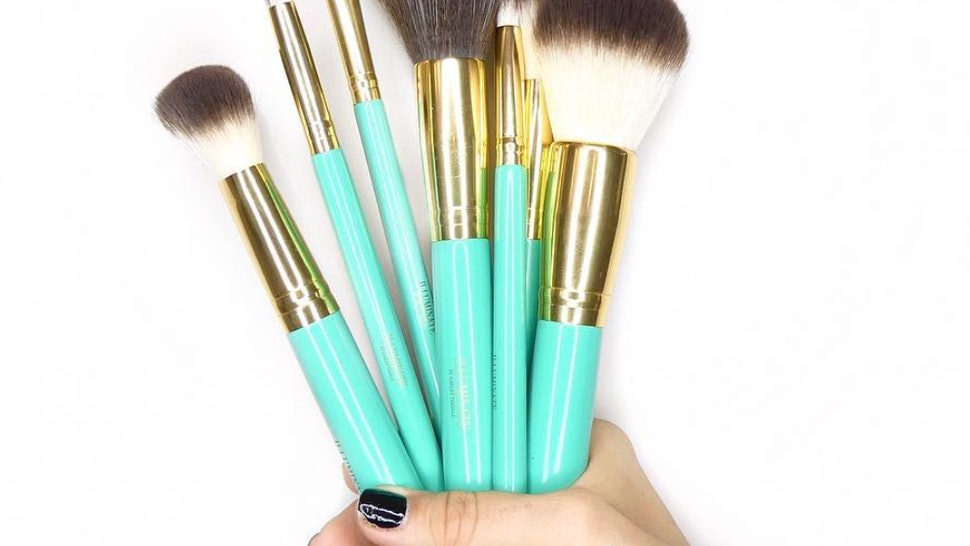 86784f6b40a7 When Are Ashley Tisdale x Illuminate Makeup Brushes Restocking  Relax