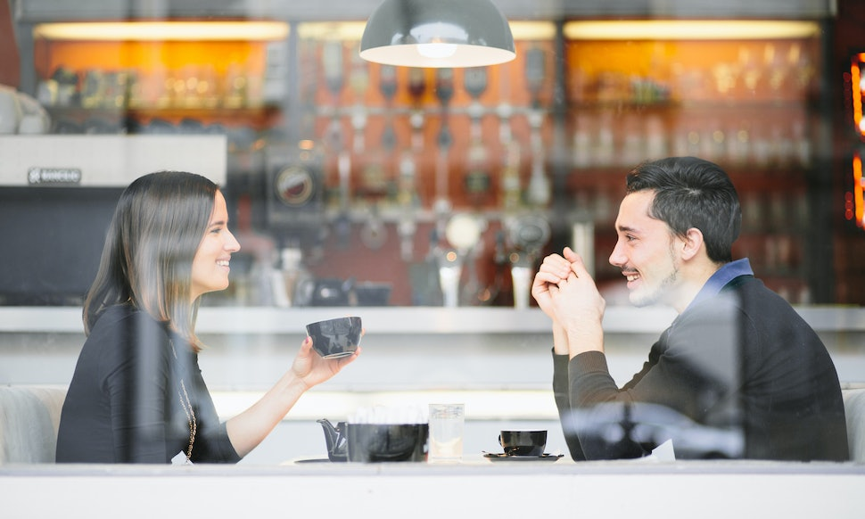 Online dating who pays for coffee on the first meeting