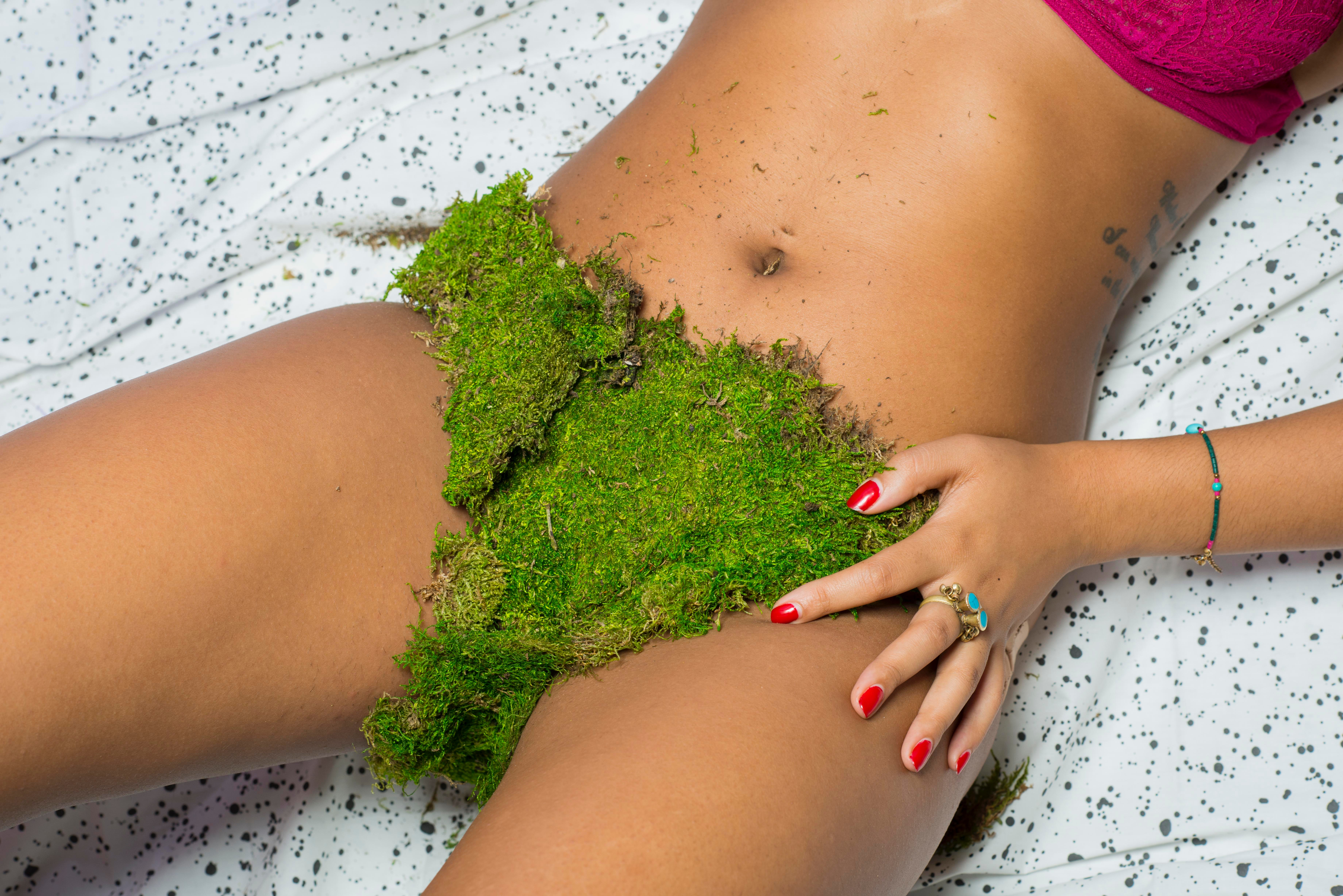7 Reasons You Should Never Shave Between Bikini Waxes