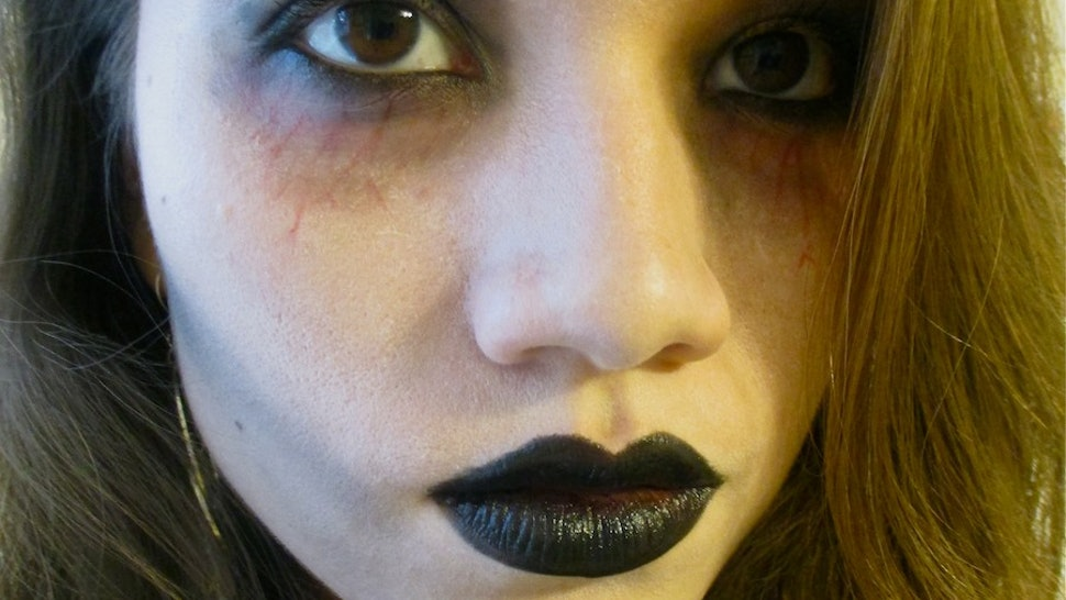 Easy Zombie Makeup That You Can Do With Products You Already Own (Braaaaaiiinnnss Sold Separately)
