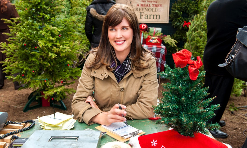 how to stream your favorite hallmark christmas movies this winter - Hallmark Christmas Movies On Netflix