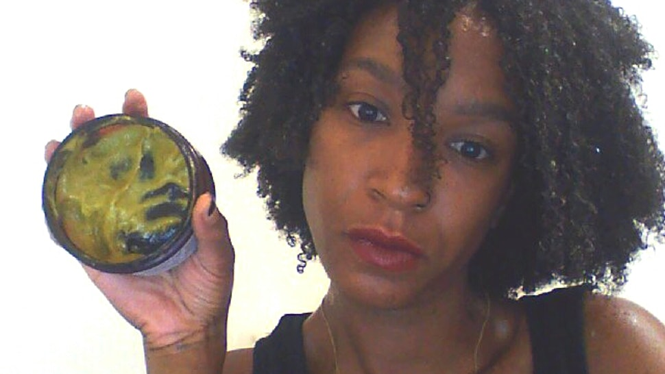 How To Get A Knot Out Of Kinky Hair Without Damaging Your Strands