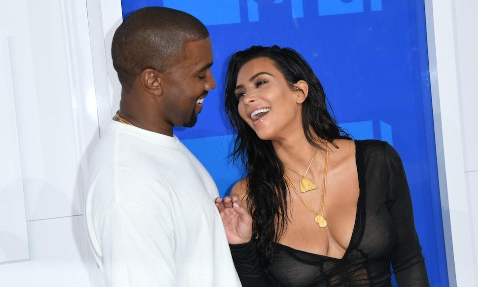 Kim Kardashian & Kanye West Prepare For Christmas With ...