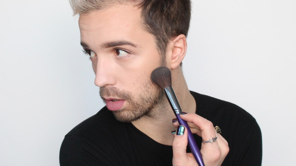 Contouring With Cool Tones Is The Ultimate Makeup Hack That Just Might Surprise You — PHOTOS
