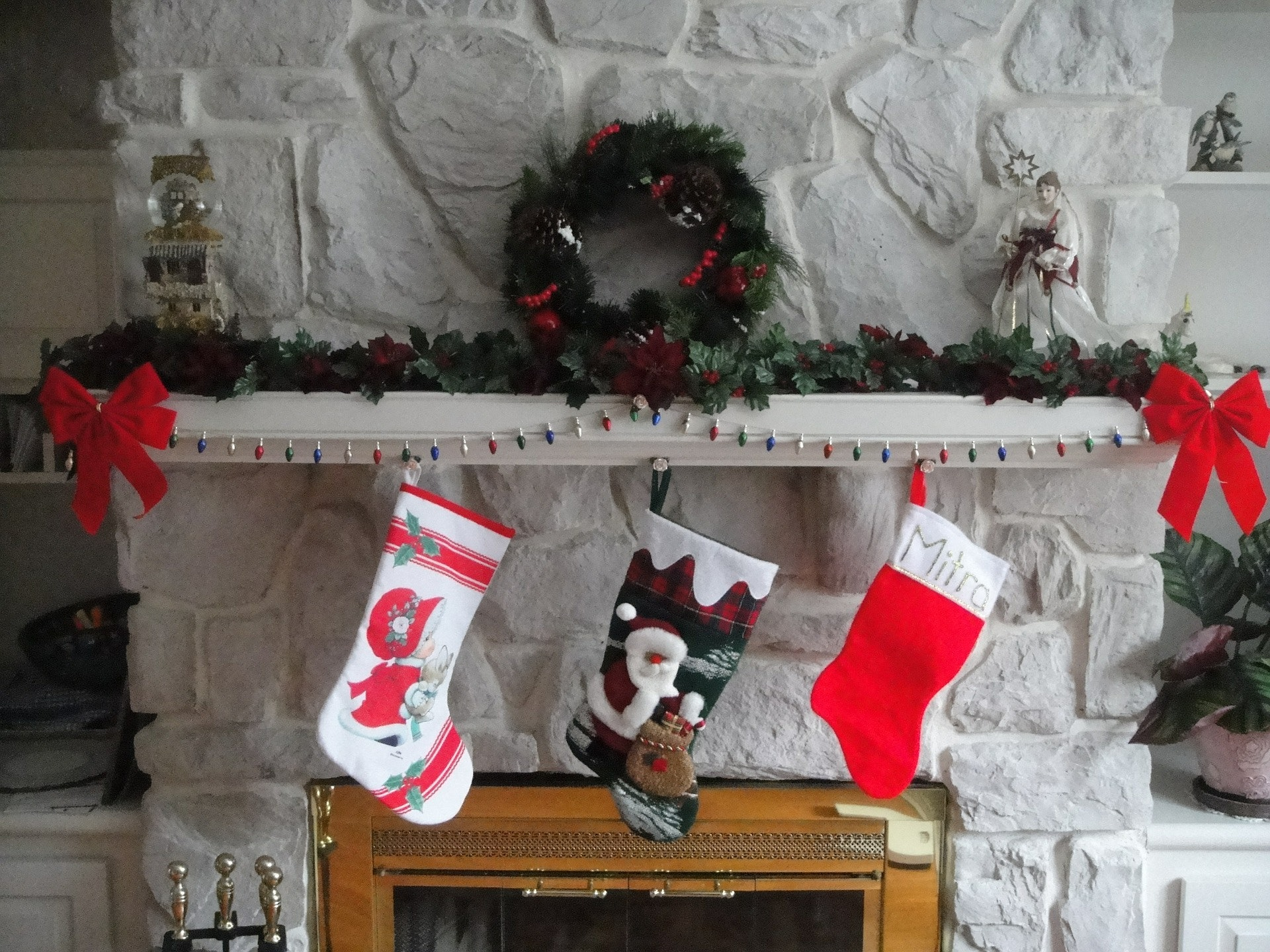 Why Do We Hang Stockings At Christmas? This Holiday Tradition\'s ...