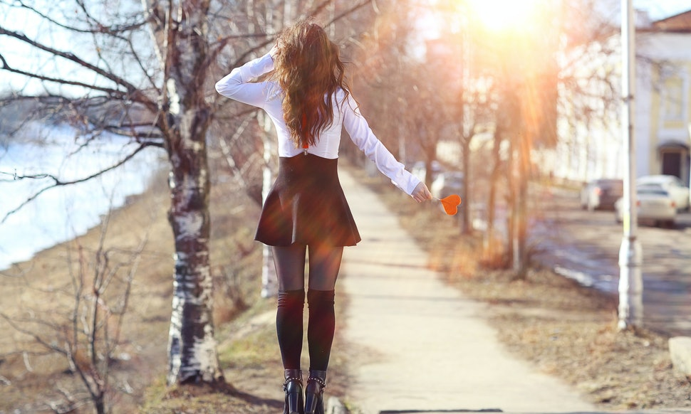 How To Wear Mini Skirts In Winter & Fall Without Freezing ...