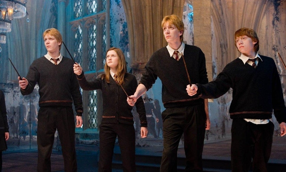 Reading At Hogwarts Harry Potter Book 1 Fictionhunt - gaurani