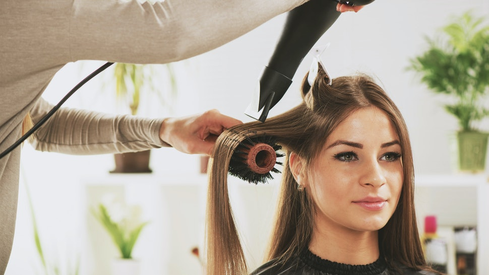 7 Things Hairstylists Wish You Would Do Before Your Next