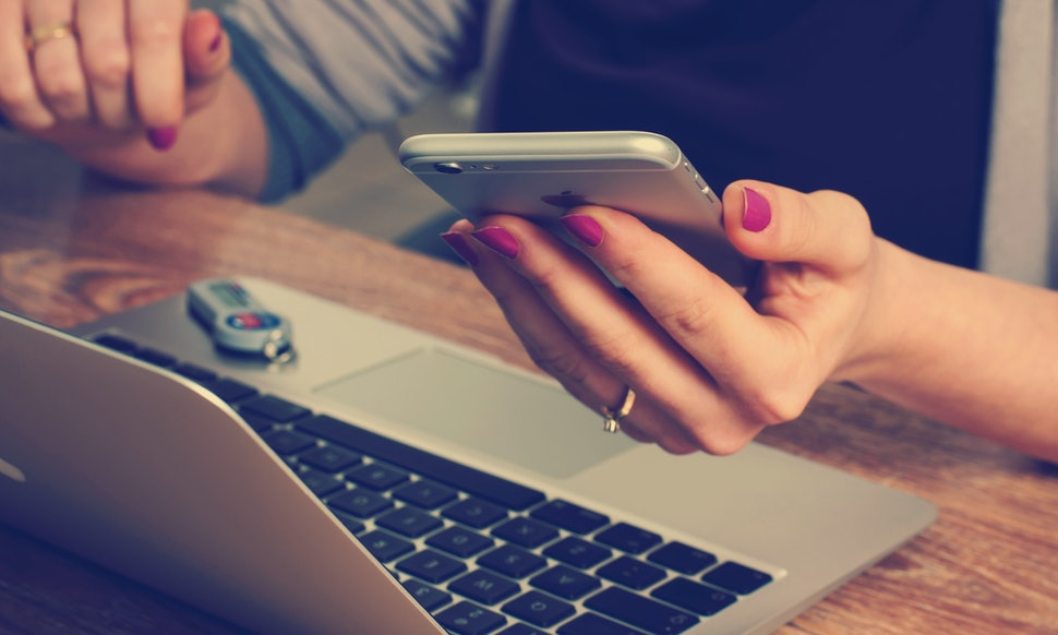 Why Social Media Causes Divorces, And 7 Ways It's Ruining Your Relationship