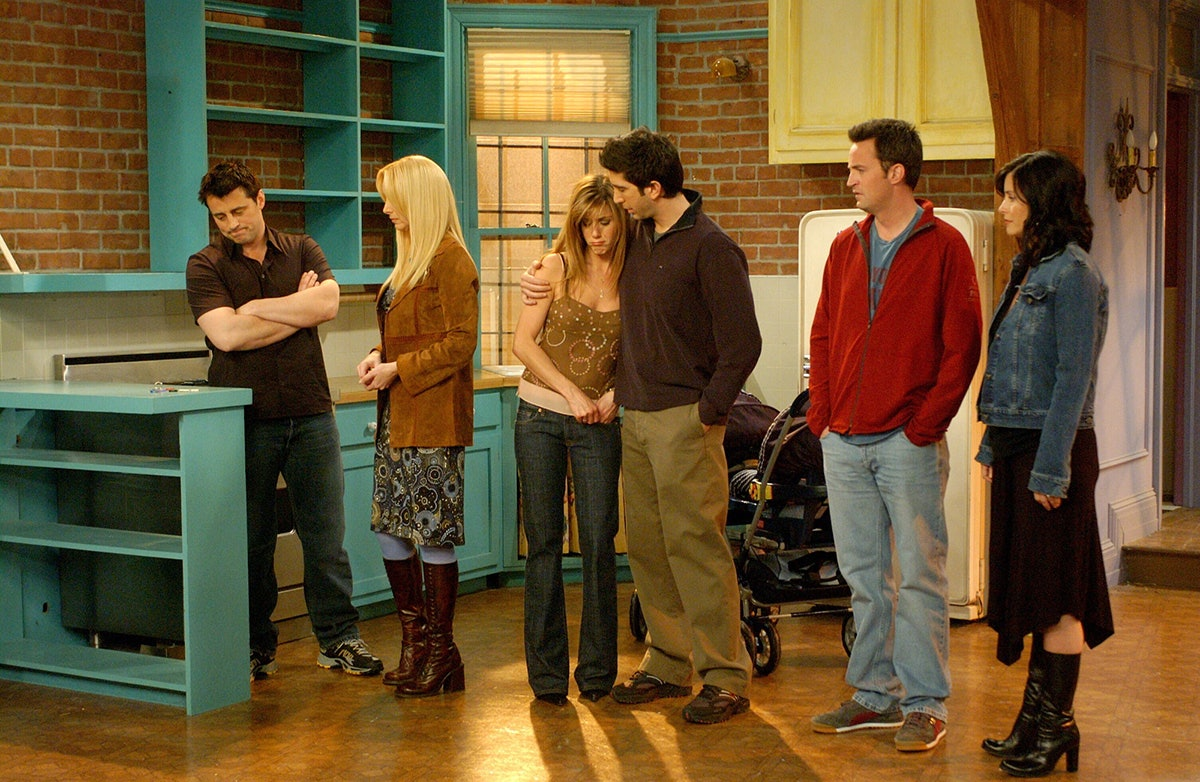who does phoebe marry on friends