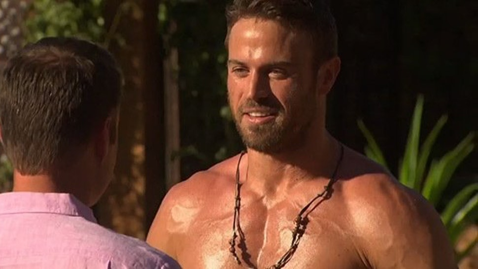 b302f96e01adc Why Do 'The Bachelorette' Guys Wear Necklaces? There's A Simple ...