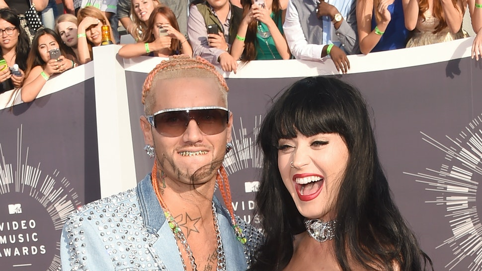 Katy perry who is she dating 2014