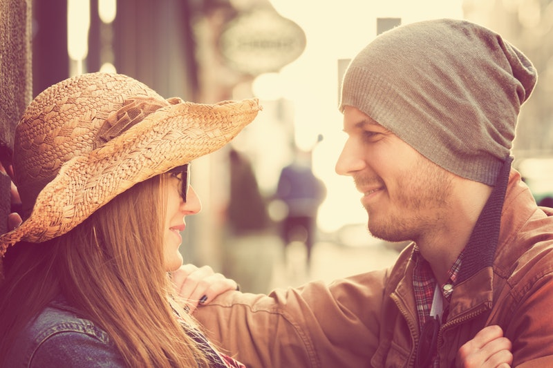 how to send first message on dating site