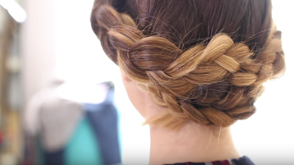 These 11 One Step Hairstyles For Straight Hair Will Spice Up Limp