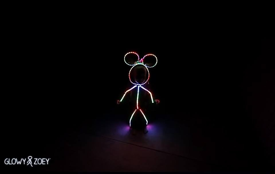 Dad Makes LED Light Mouse Halloween Costume For Toddler Daughter Makes All Other Parents Look Lazy u2013 VIDEO & Dad Makes LED Light Mouse Halloween Costume For Toddler Daughter ...