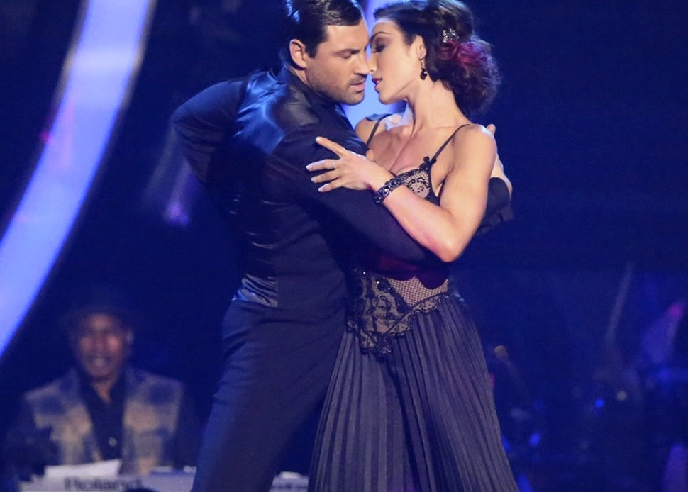 Maksim Chmerkovskiy Meryl Davis Declare We Re Not: Maks Chmerkovskiy & Meryl Davis Spend A Weekend Apart But