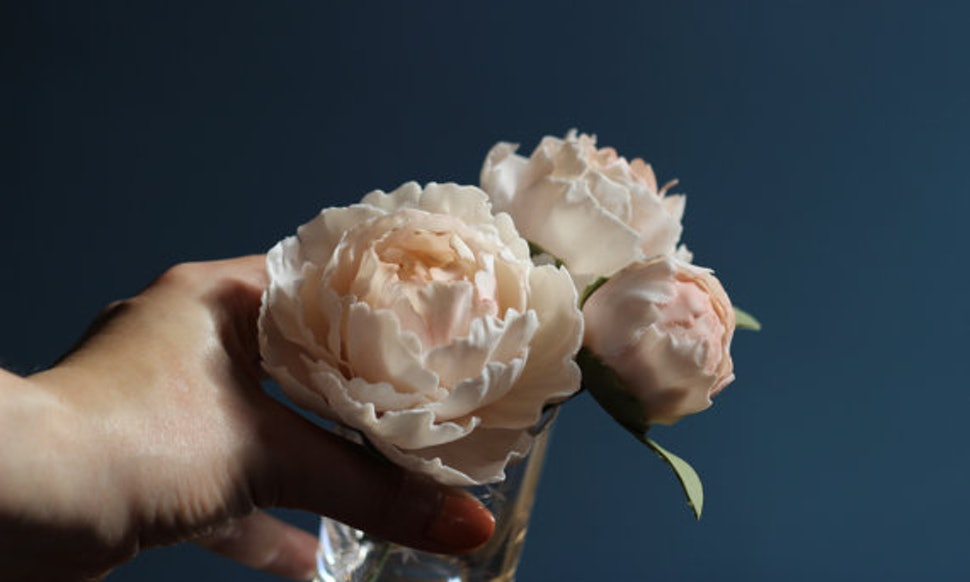 These Edible Flowers For Wedding Cakes Are So Flawless And Delicious ...