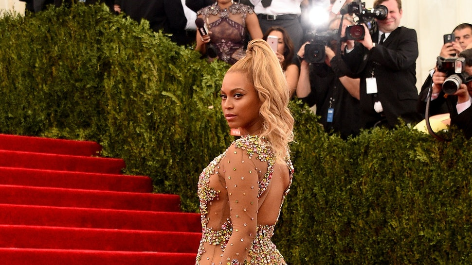 241784032cccf Beyonce s 2015 Met Gala Dress Is A Piece Of See-Through Gauze That s Only  Slightly Bedazzled — PHOTOS