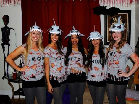 8 Last Minute Best Friend Halloween Costume Ideas That Can ...