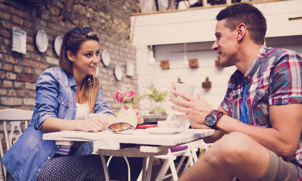 Dating In Your Mid-20s Is A Rollercoaster So Hang Onto These 9 Genius Tips