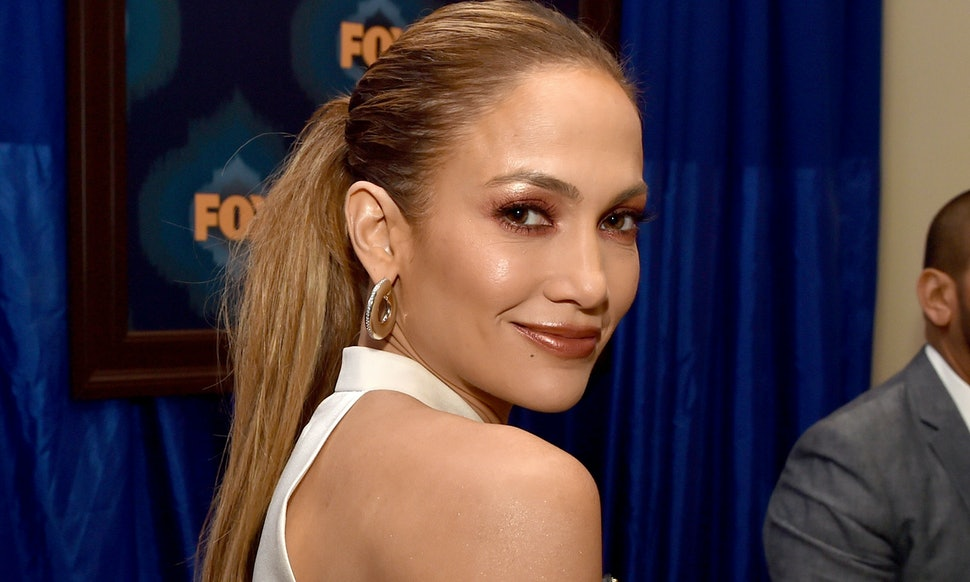 Jennifer Lopez Wears Crop Top & Full Skirt Combo You\'ll Want To Like ...