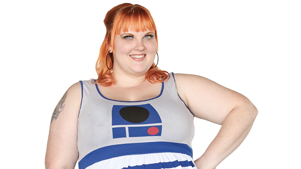 3785cd92a43 21 Plus Size  Star Wars  Fashion Items Because Fatshionistas Love R2D2 Too  — PHOTOS
