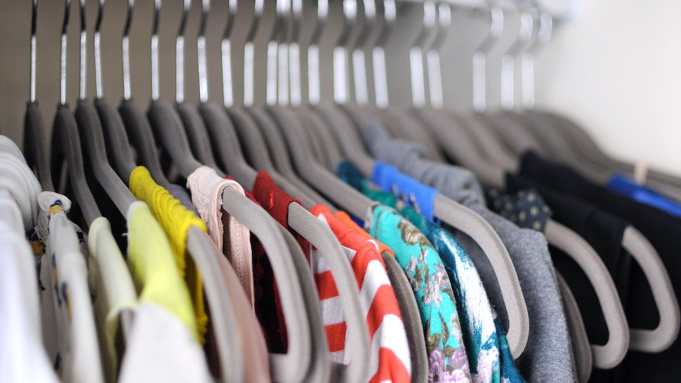 9cd2e7ea4985d1 8 Tips For Cleaning Out Your Closet From Someone Who Learned The Hard Way