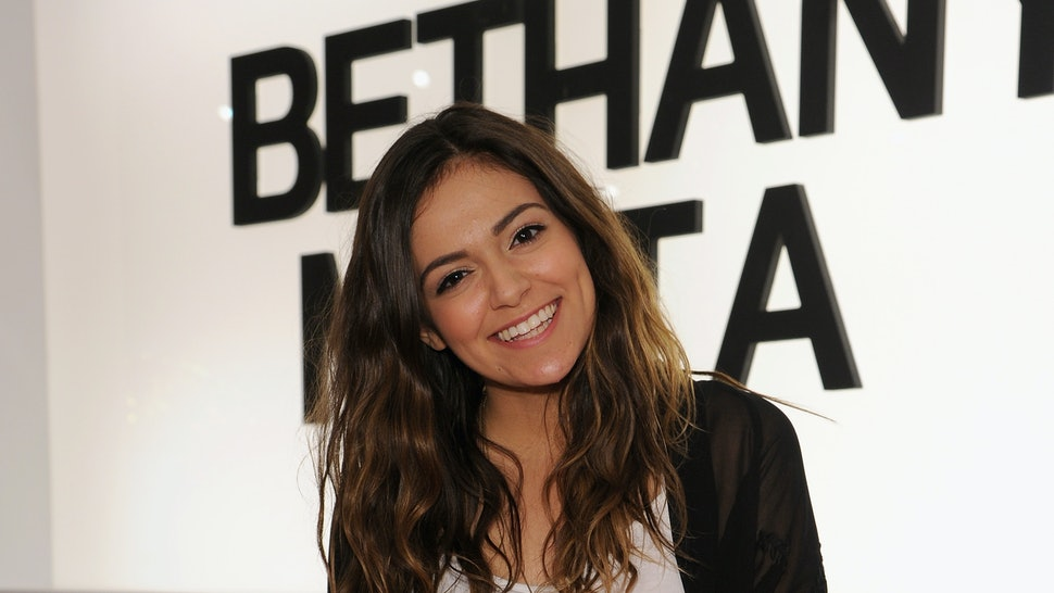What's In Bethany Mota's Makeup Bag? 5