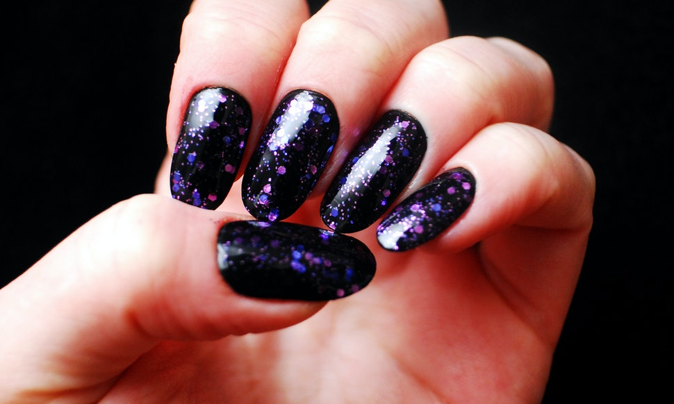 7 Ways Your Acrylic Nails Are A Feminist Tool For Shutting Down The ...