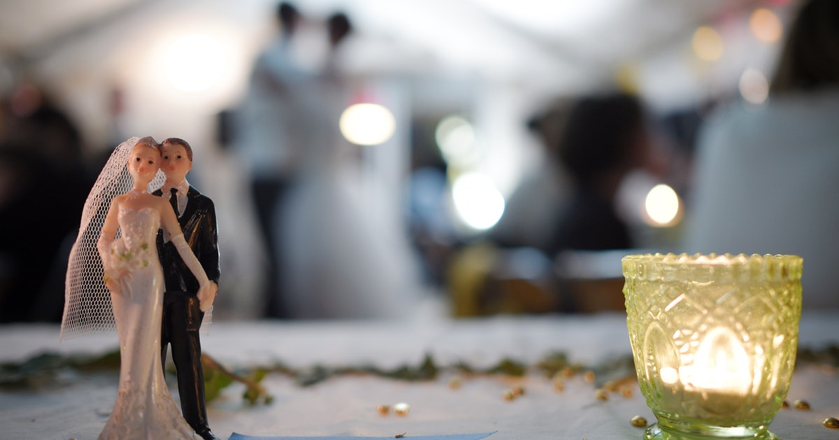 Hiring A Wedding Planner 12 Pros And Cons To Consider Before