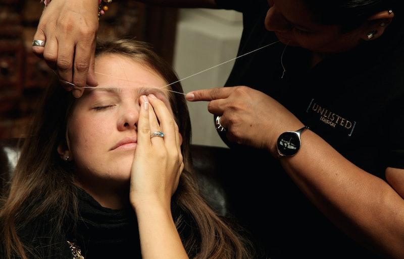 How To Tweeze Eyebrows Without Tweezers, If You're ...