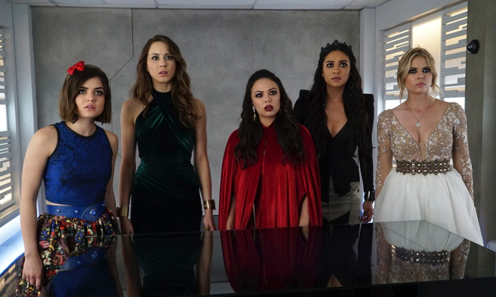 Which Fairytale Characters Are The \'Pretty Little Liars\' At Prom ...