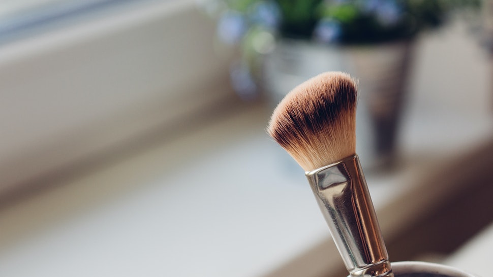 What's The Difference Between Strobing & Contouring Brushes? Here's How You Can Tell