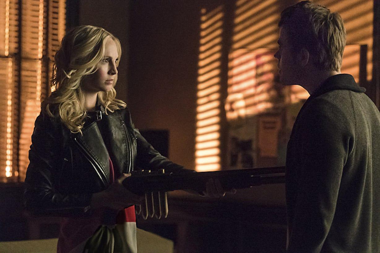 Stefan & Caroline Had Sex On The Vampire Diaries, But