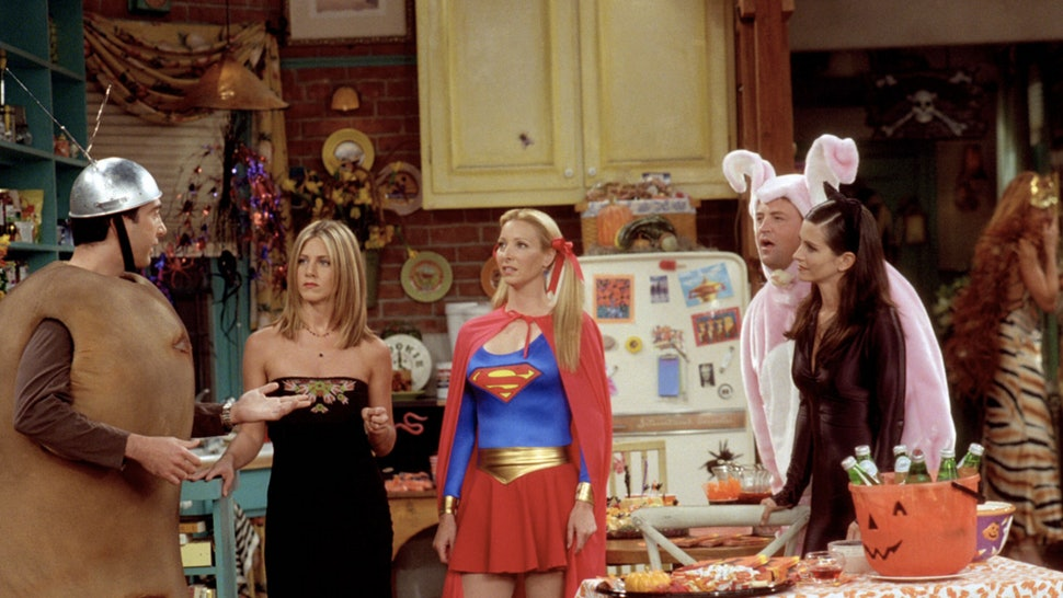 The 7 Best 'Friends' Episodes To Watch On Halloween & Satisfy All