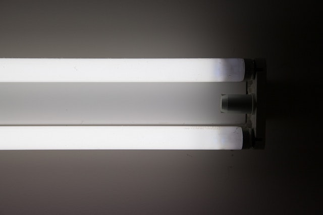 office light fixture. Is Fluorescent Light Bad For You? 3 Things You Should Know About The Common Office Lighting Fixture