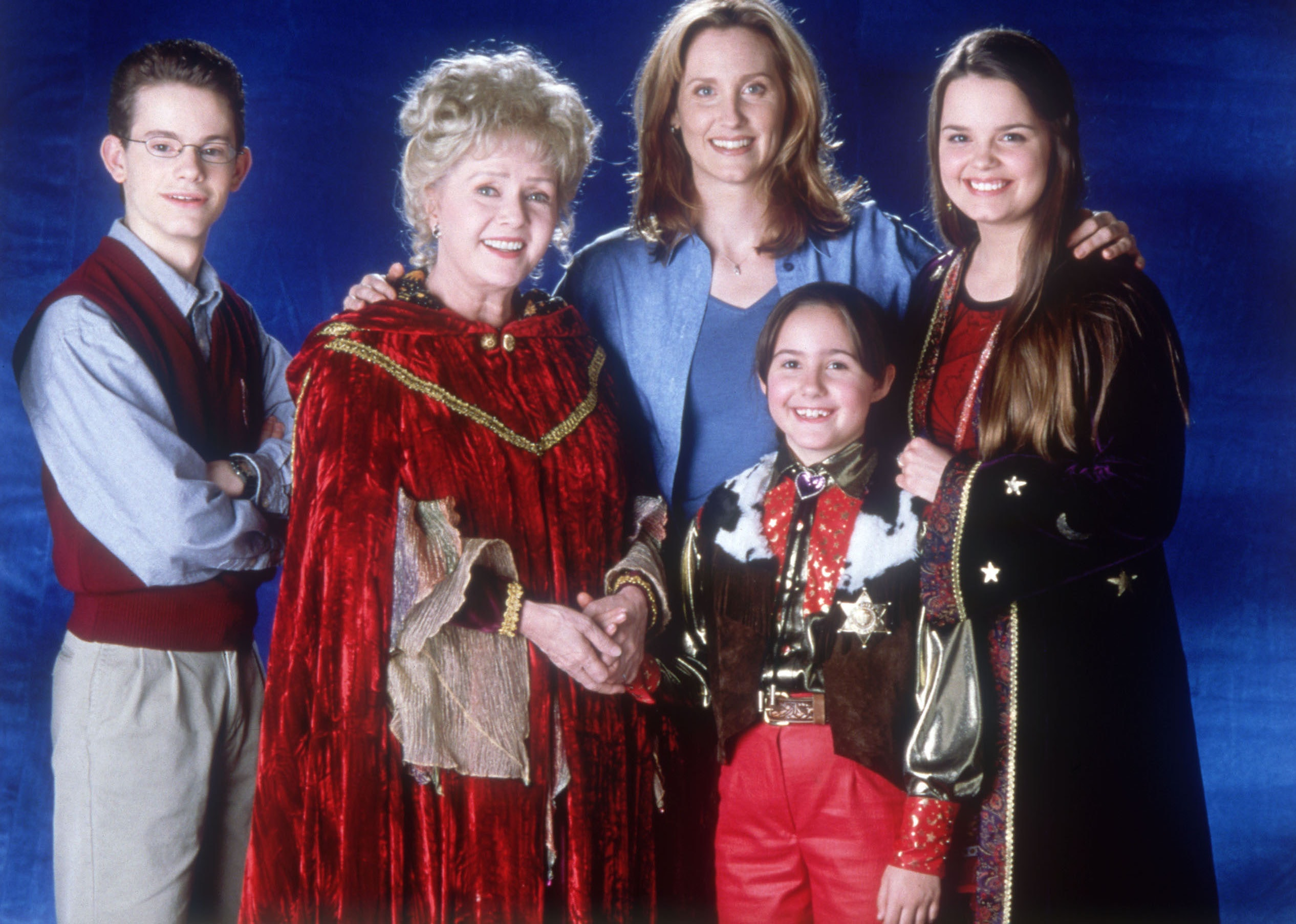 7 reasons the halloweentown series is the best halloween series ever created