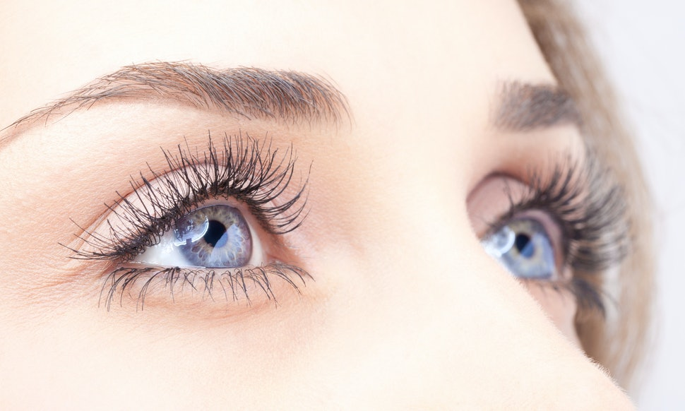 5 Ways To Get Thicker Longer Eyelashes