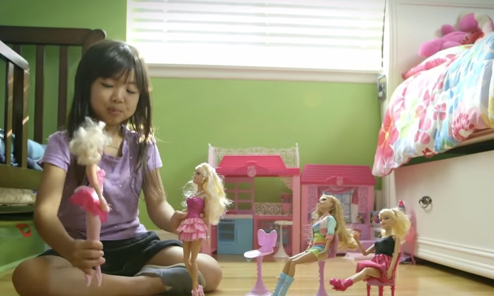 Imaginative Toys For Girls : The barbie project shows how little girls really play with their dolls